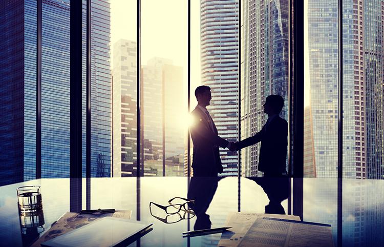 コンサル業界への転職時に転職エージェントに相談するメリット・デメリット